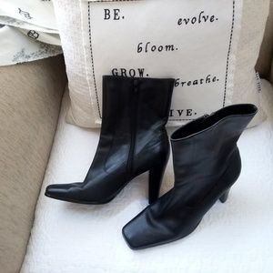 CAITRINO Black ANKLE Boots BOOTIES By NINE WEST